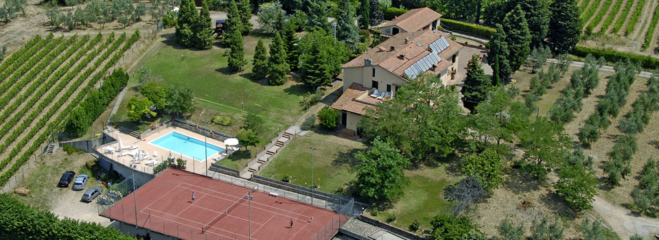 Swimming pool and tennis Le Pianore